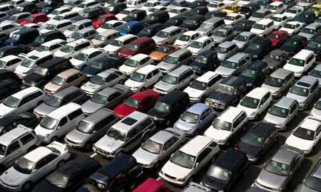 Автомобили, ждущие оформления на таможне