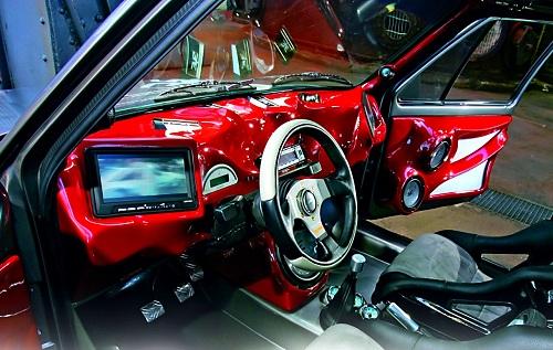 Тюнингованный салон автомобиля