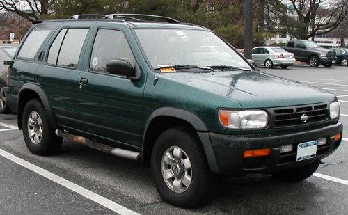 Nissan Pathfinder 1996–1999 годов выпуска