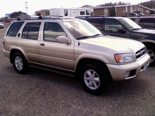 Nissan Pathfinder 2001 года выпуска