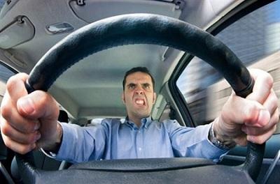 Агрессия за рулем - признак плохого водителя