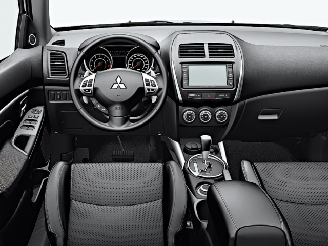 Оснащение салона автомобиля Mitsubishi ASX