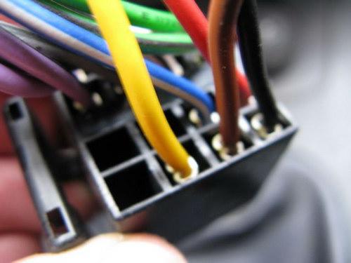Провода берем потолще и покороче