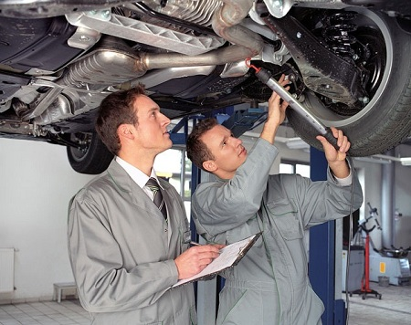 Осмотр автомобиля при сдаче в ремонт