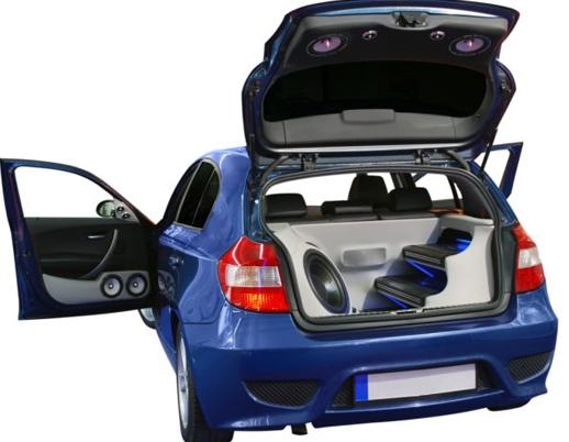 Правильно подобранный сабвуфер и остальная акустика в автомобиль