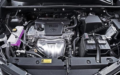 Двигатель автомобиля Toyota RAV4 2013