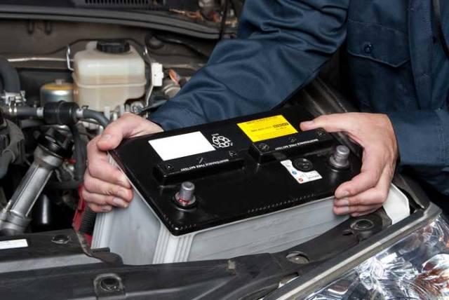 Устанавливаем новый гелевый аккумулятор в авто