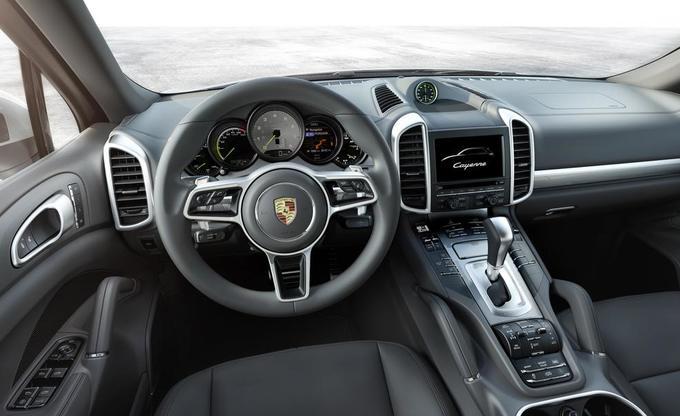 Porsche Cayenne: передняя панель