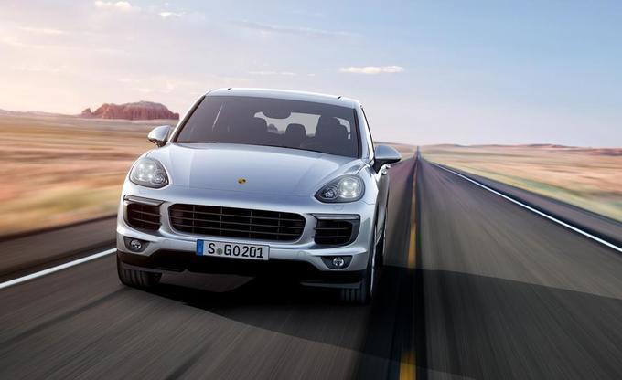 Porsche Cayenne S: вид спереди