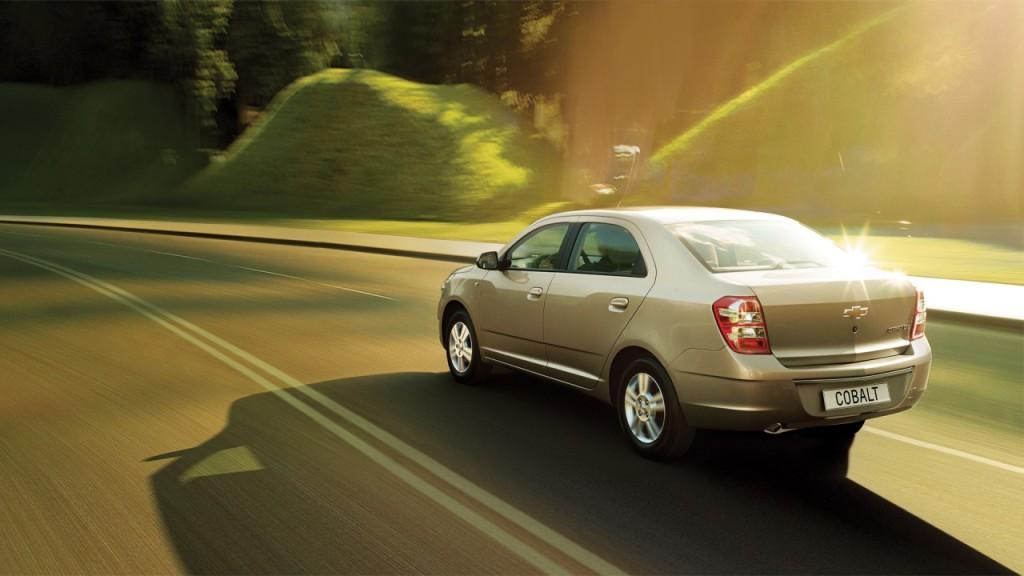 Chevrolet Cobalt: вид сзади