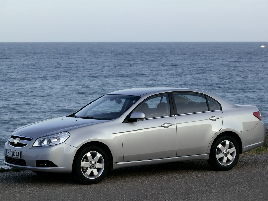 Chevrolet Epica: вид сбоку