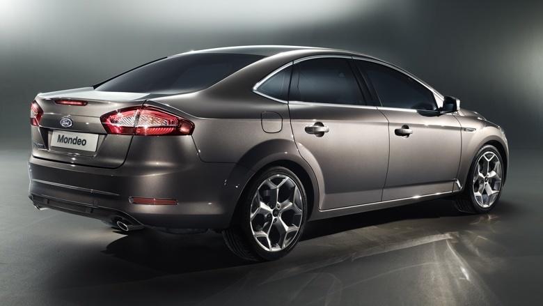 Ford Mondeo: вид сзади