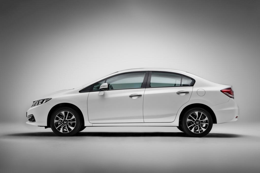 Honda Civic: вид сбоку