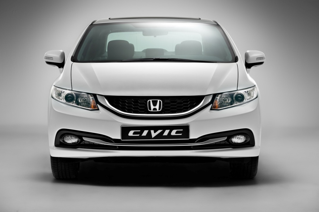 Honda Civic: вид спереди