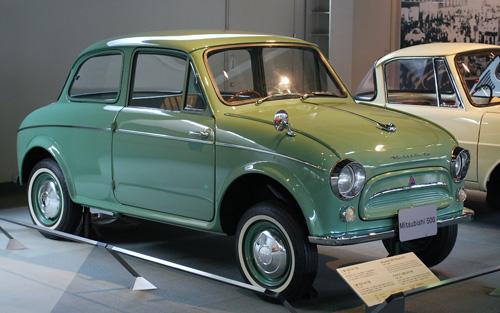 Автомобиль Mitsubishi 500