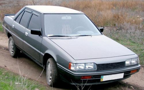 На фото Mitsubishi Galant