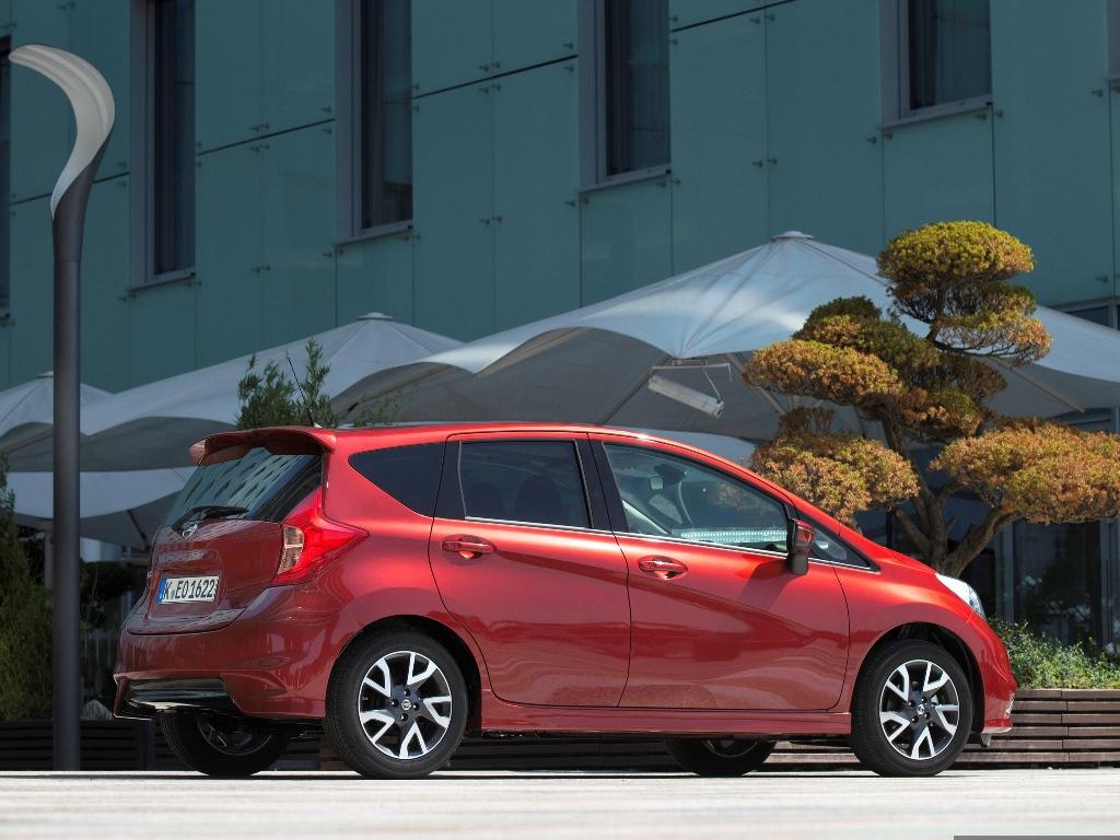 Nissan Note: вид сбоку