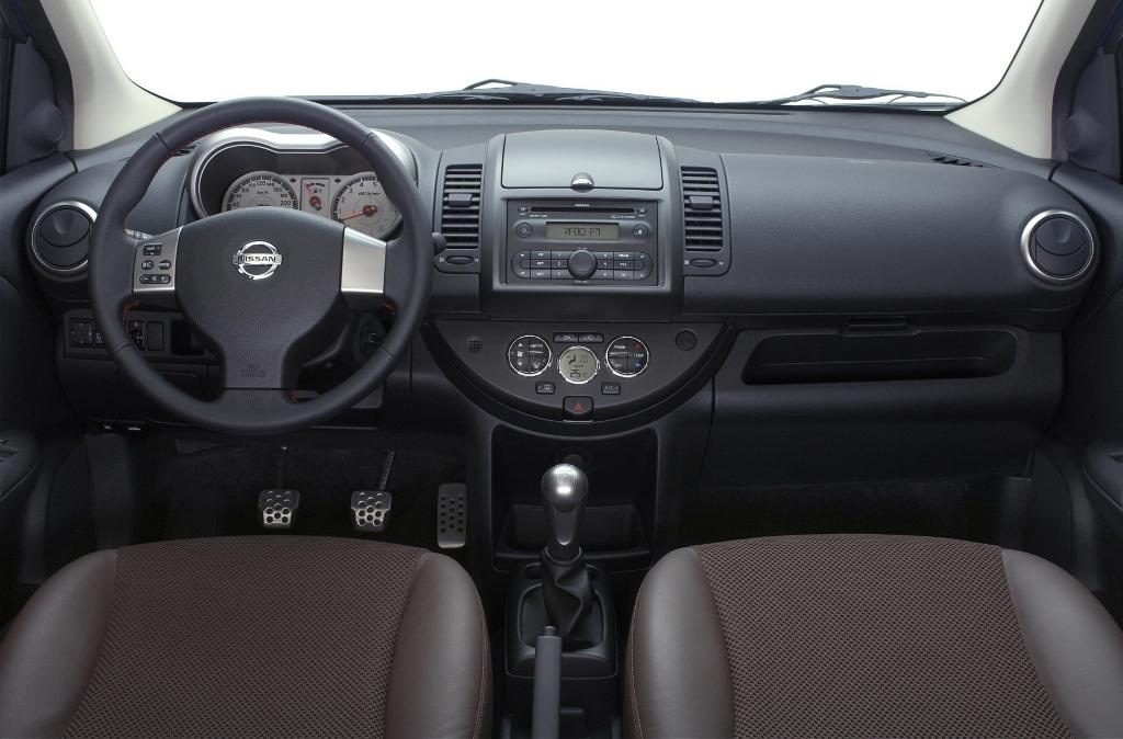 Панель управления Nissan Note