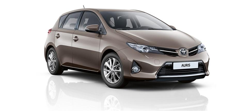 Toyota Auris: вид сбоку