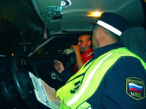 Проверка уровня содержания алкоголя в крови водителя