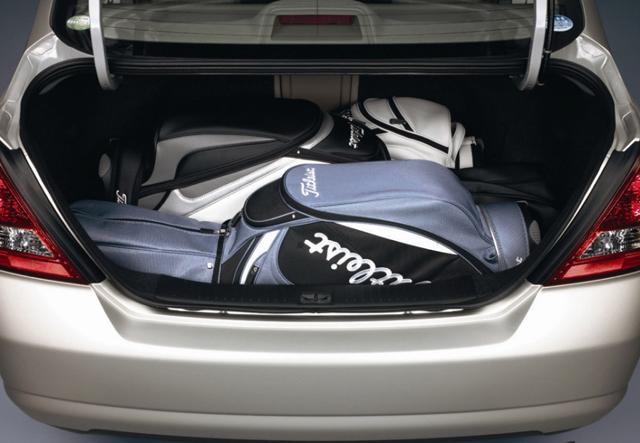 Багажное отделение Nissan Tiida