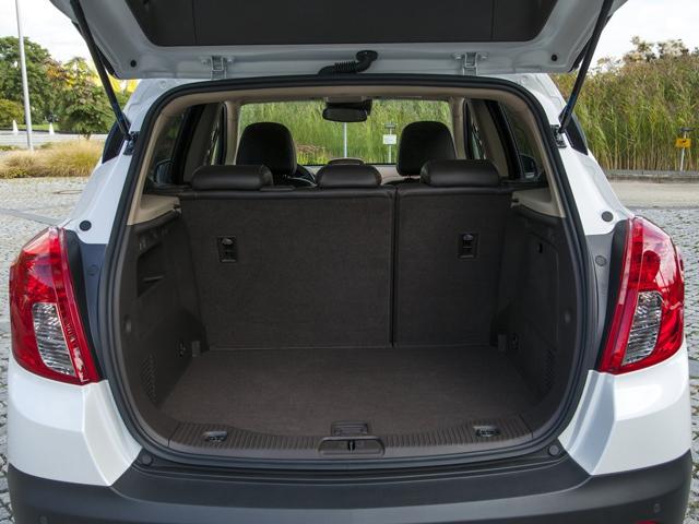 Вместительный багажник автомобиля Opel Mokka