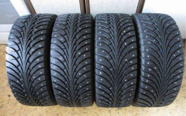 Зимние шипованные б/у шины