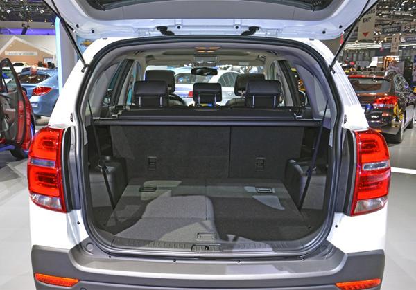 Вместительный багажник Chevrolet Captiva