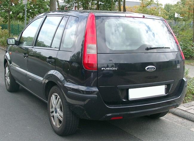 Ford Fusion — вид сзади
