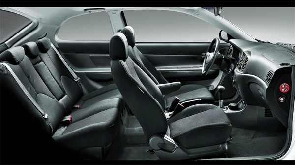 Салон Hyundai Accent 2013