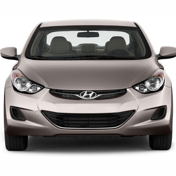 Hyundai Elantra — вид спереди