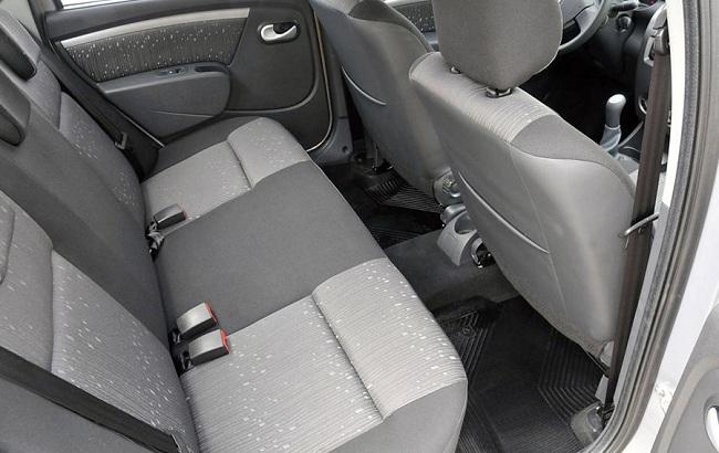 Теперь пространство для пассажиров, сидящих сзади, значительно увеличено, и багажник становится объёмнее, когда сиденье складывается