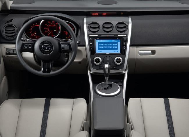 Интерьер Mazda CX-7