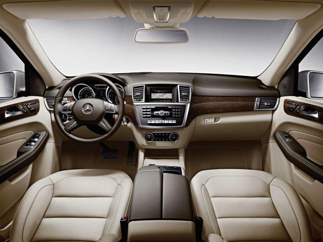 Салон автомобиля Mercedes ML 350