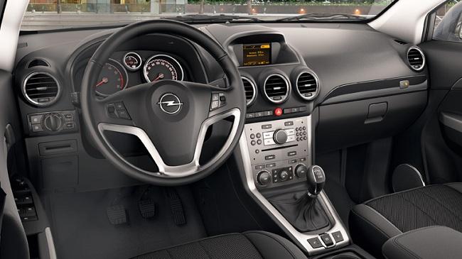 Интерьер Opel Antara