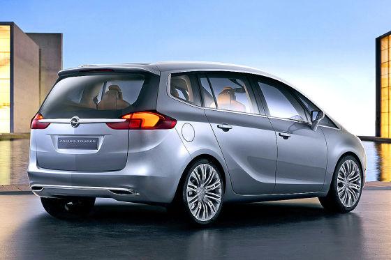 Opel Zafira Tourer — вид сзади