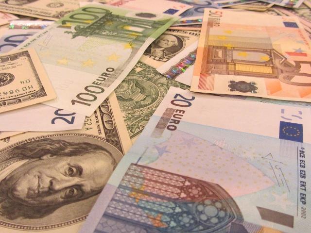 Кредит в банке может быть оформлен в различной валюте