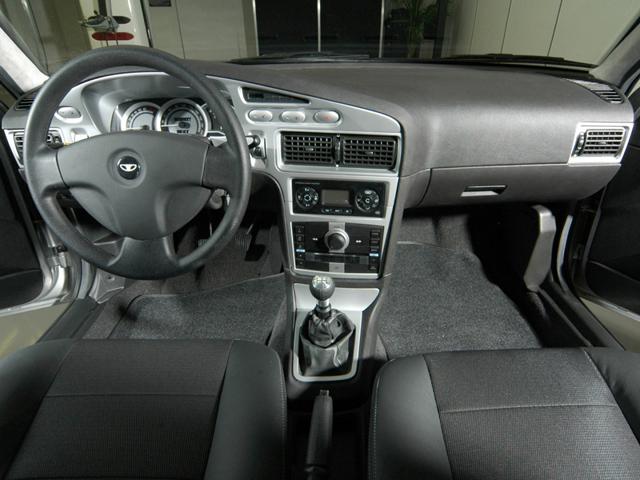 Салон автомобиля Daewoo Nexia