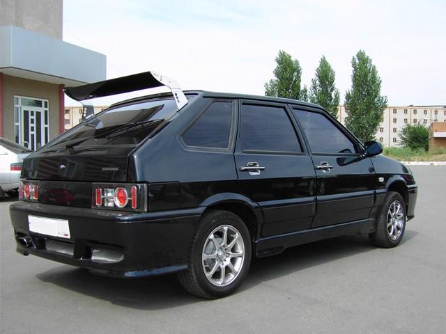 Антикрыло установлено на автомобиле ВАЗ