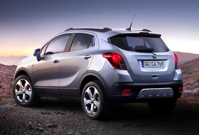 Opel Mokka — вид сзади