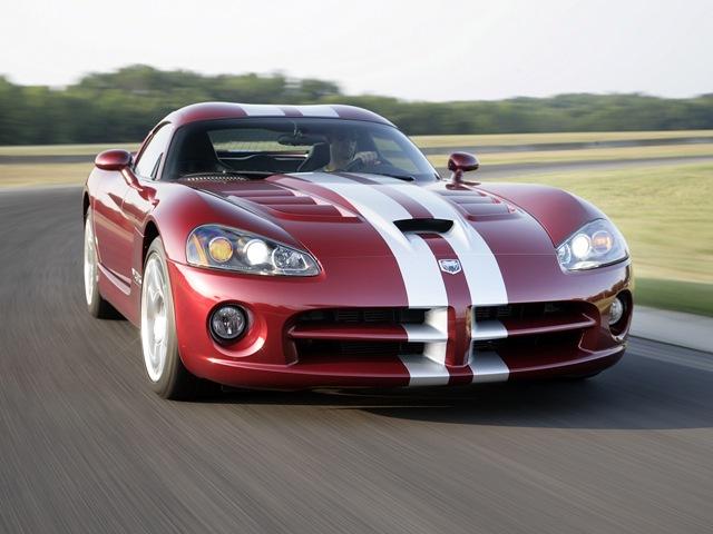 Американский спортивный автомобиль Dodge Viper
