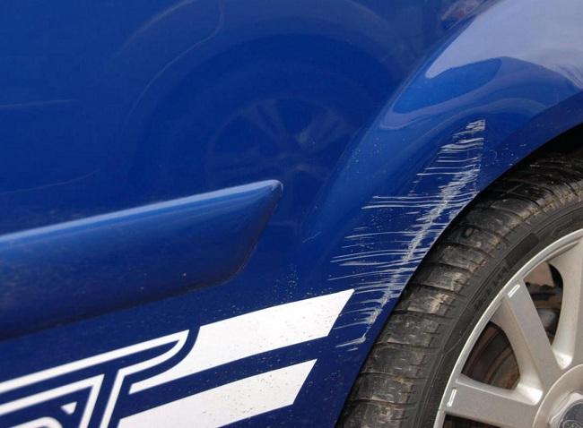 Царапины на кузове авто, которые можно исправить с помощью карандаша