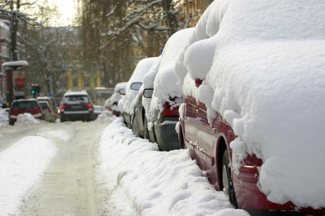 Замёрзший автомобиль — часто встречающееся явление в России