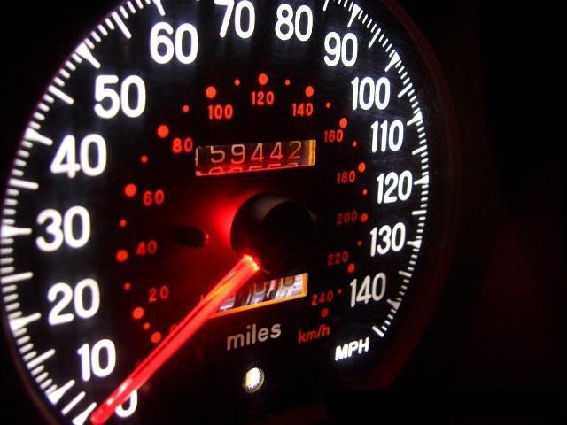 Оптимальная скорость движения поможет сэкономить топливо