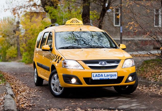 Работа таксистом - один из видов заработка на своем автомобиле