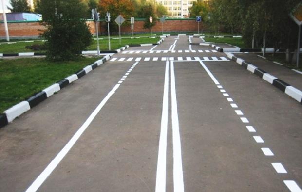 Разметка на дороге в России
