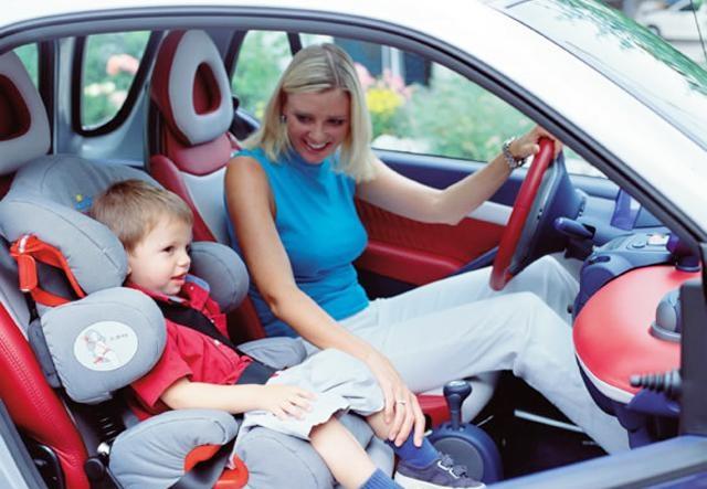 Правильная перевозка ребёнка в машине