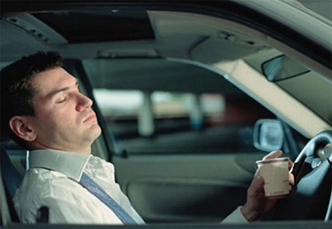 Сон за рулём — частая причина аварий