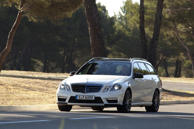 Снимок автомобиля Mercedes E63 AMG Wagon