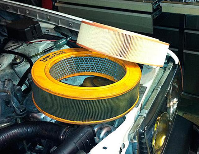 Грязный и чистый воздушные фильтры двигателя